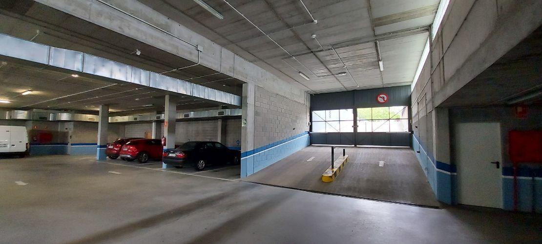 Someso. Parking